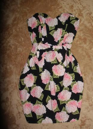 Нарядное корсет платье в цветочный принт asos с открытыми плечами