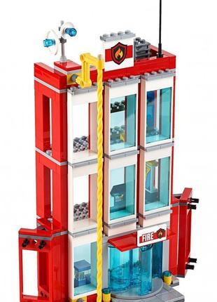 Конструктор 10831 Пожарный аварийно-спасательный центр