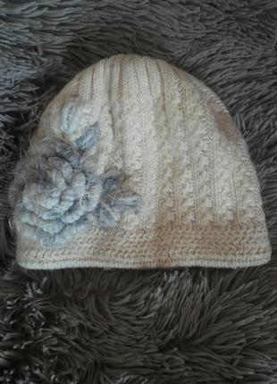 Теплая зимняя шапка шапочка вязаная белая