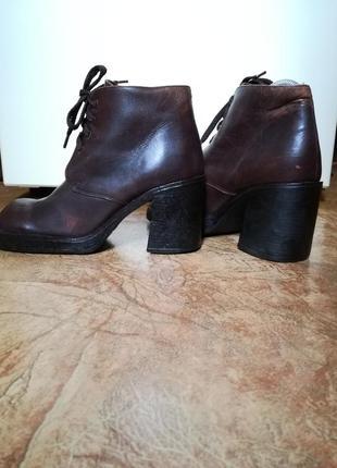 Грубые ботинки толстый каблук натуральная кожа р.40(26см) spago