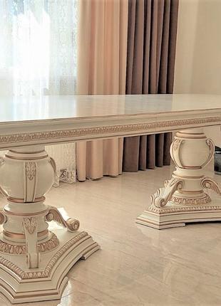 Шикарный раскладной дубовый стол Шедевр в гостиную