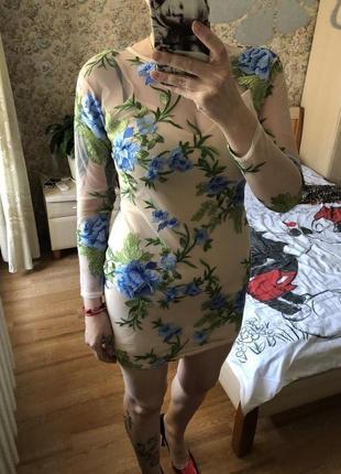 Платье мини расшитое от Missguided