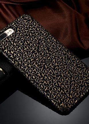 Пластиковый чехол Золотой узор Черный для iPhone 7
