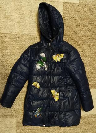 Куртка зимняя для девочки на  рост 152см б.у.