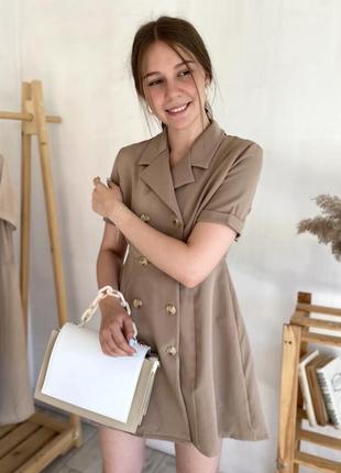 Стильное платье-пиджак на пуговицах
