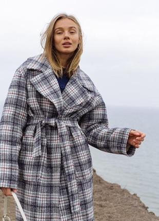 Зимнее серое клетчатое пальто