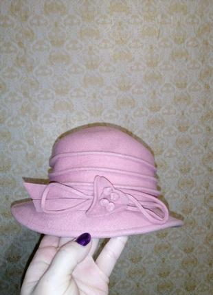 Шляпа женская под пальто