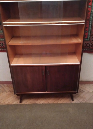 Продам книжный шкаф б/у