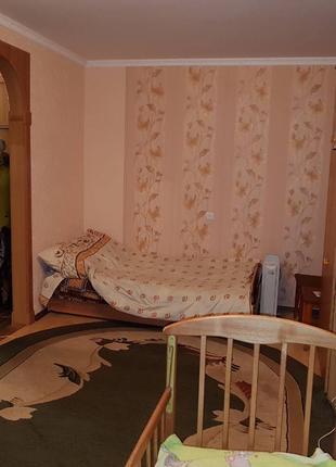 Строителей 33 квартира 2х комнатная м. Дарница