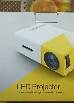 Проектор мультимедийный портативный с динамиком Led Projector