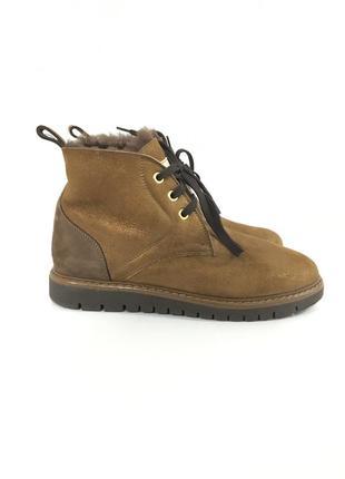 Зимние ботинки на меху италия
