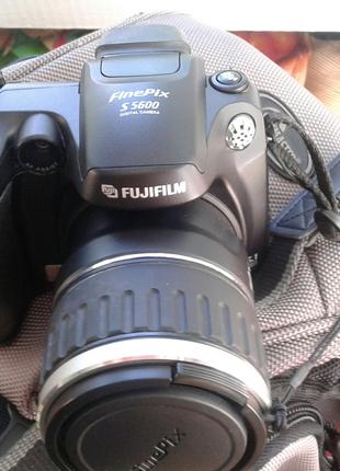 FinePix S5600 FUJIFILM