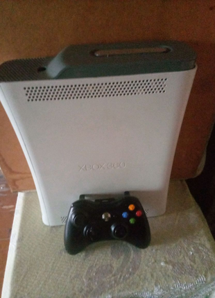 Продам Xbox 360 Freeboot lt 3.0
