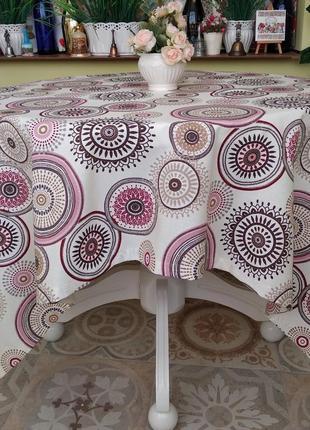 Скатерть с розовыми  кругами с водоотталкивающей ткани