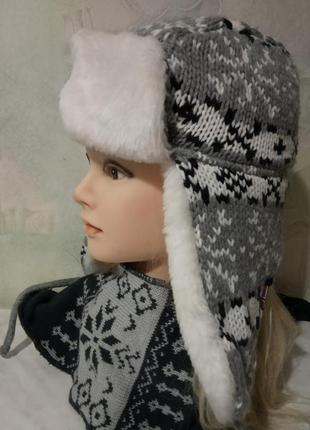 Стильная, теплая шапка-ушанка на меху