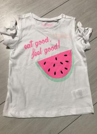 Яркая футболка для девочки
