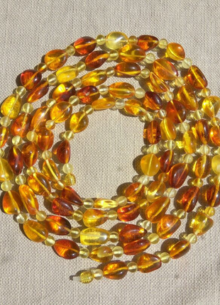 Изысканные янтарные ожерелья, бусы из цельного полированного я...