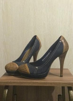 Туфлі жіночі Blizzarini р.35, денім