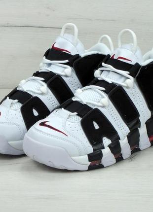 Шикарные кроссовки в белом цвете