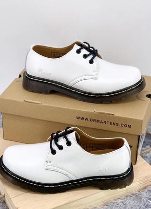 Шикарные туфли в белом цвете