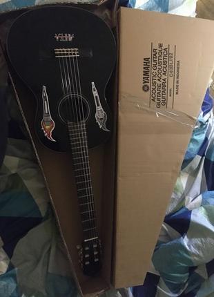 Гитара Yamaha классическая