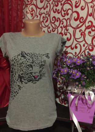 Классная футболка с пантерой,на 44\46 р