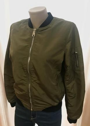 Куртка женская бомбер хаки stradivarius