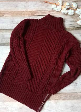 Теплый вязаный свитер с аранами ручной работы
