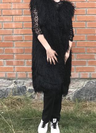 Жилетка длинная черная лама эко мех искусственный