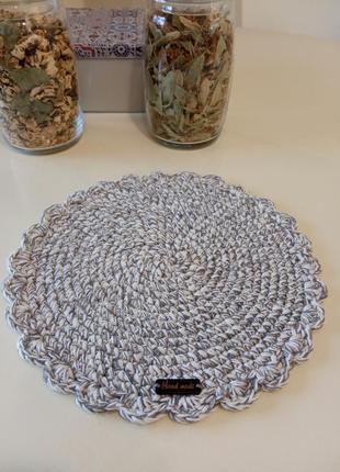 Вязаная салфетка под тарелки. подложка для сервировки стола.