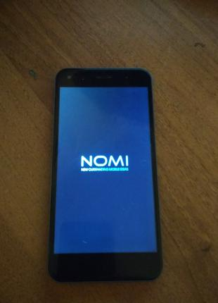Смартфон Nomi i5530 Space X