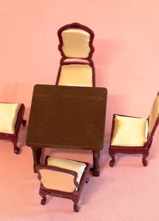 Кукольная мебель .Комплект 4 стула из дерева и стол.