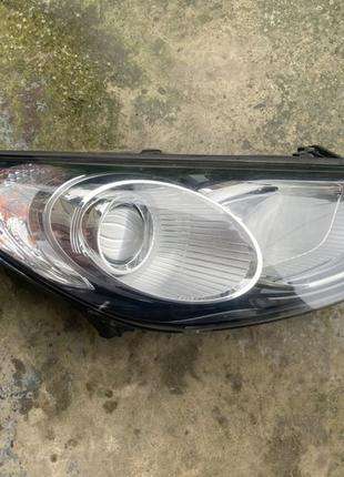 Фара Hyundai Santa Fe 2 правая