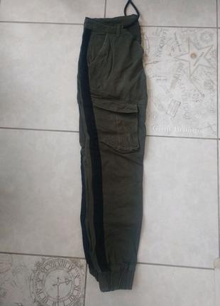Штаны карго с лампасами цвета хаки