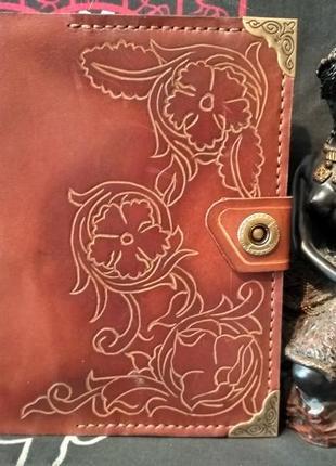 Обложка на блокнот ручной работы из натуральной кожи