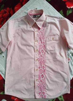 Мужская рубашка на короткий рукав с машиной вышивкой