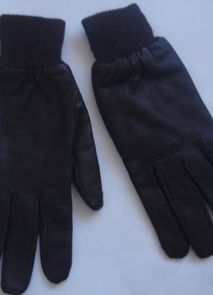 Фирменные теплые кожаные перчатки цвета шоколада на 7-8 размер