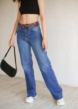 Котоновые джинсы клеш с необработаным краем . джинсы прямые...