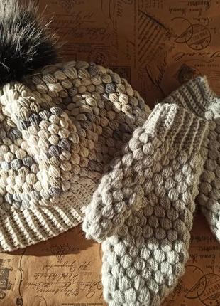 Набор шапка и варежки ручной работы