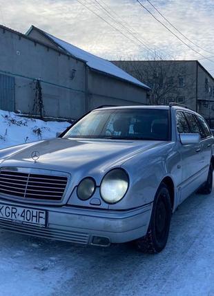 Продам Mercedes Benz E Class W210