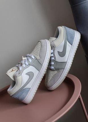 Женские Кожаные Кроссовки Nike Air Jordan 1 Low Paris
