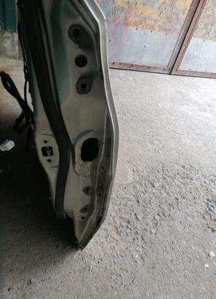 Тойота Авалон 2013 года задняя дверь