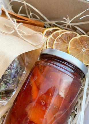 Набор травяной чай и варенье