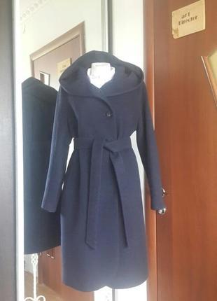 Женское пальто с капюшоном season