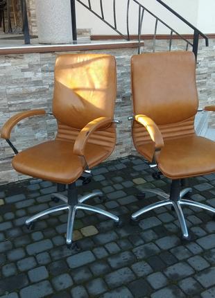 Крісла шкіряні офісні, кресло офисное кожаное для руководителя