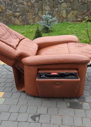Кожаное кресло реклайнер с пультом, крісло відпочинкове шкіра