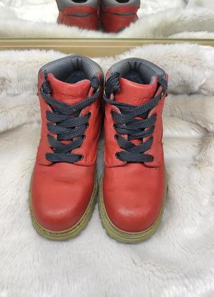Кожаные красные ботинки на тракторной подошве ellesse