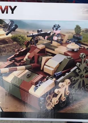 Конструктор 0858 Бойовий танк 2в1 524 деталі
