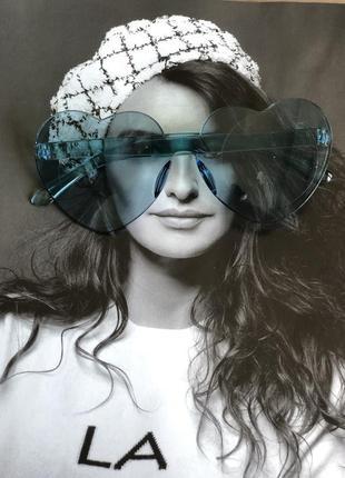 Солнцезащитные стильные голубые очки новые