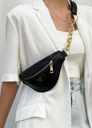 Черная сумка бананка, поясная сумка с тиснением